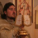 Первая литургия в цокольном храме