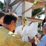 Освящение и установка крестов